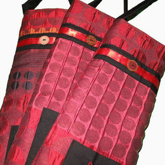 Picture of Quilted Wine Bag